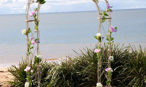 Wedding arch hire sydney bridal arch for hire decorated wedding arch for hire junglespirit Images