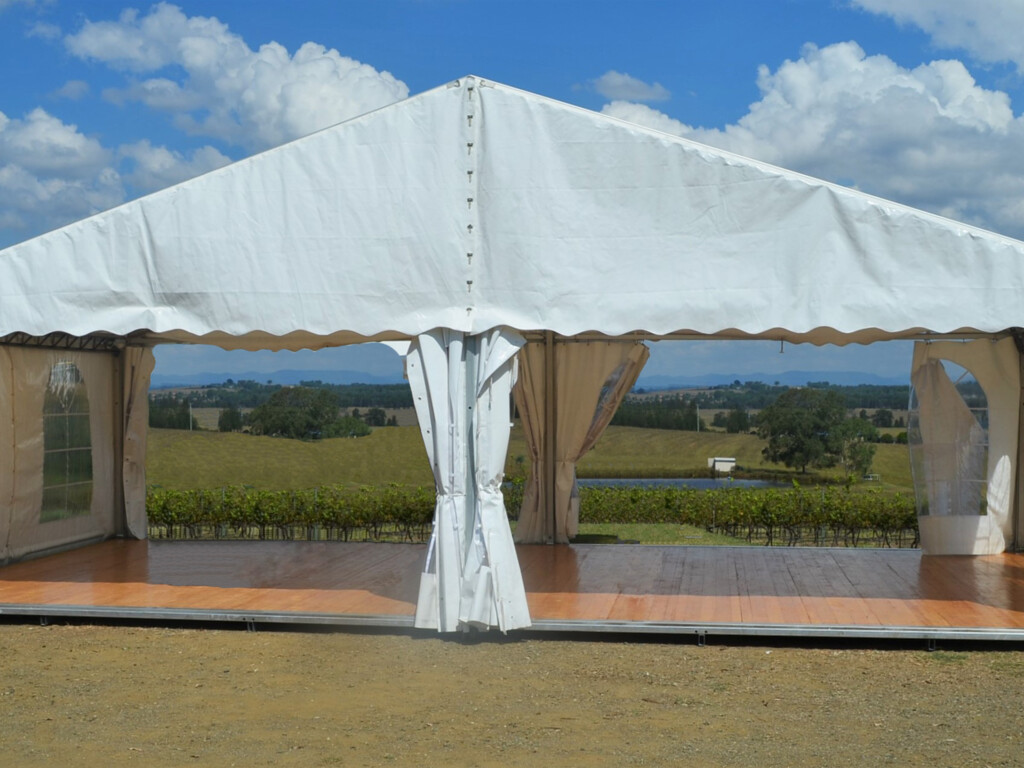 how to choose the best party tent?